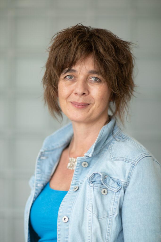 Drs B. van den Doel-Henning